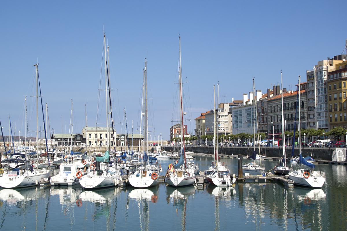 Puerto de Gijón en una visita guiada